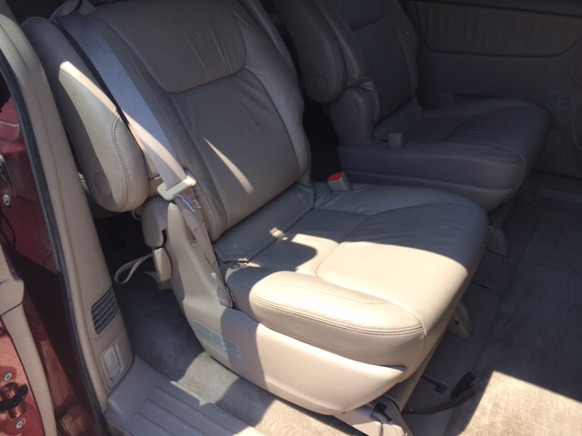 2005 Toyota Sienna XLE 7-Passenger 4dr Mini-Van - Des Moines IA