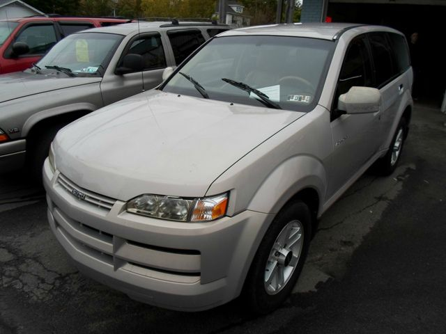 2002 Isuzu Axiom