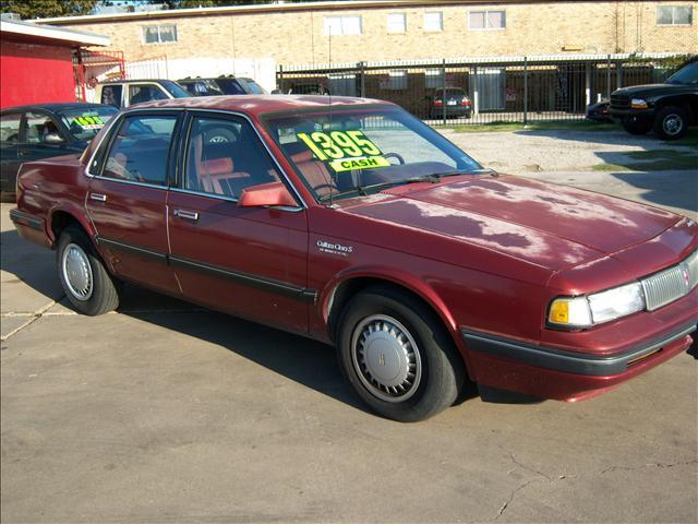 1990 oldsmobile cutlass ciera e 4dr sedan in houston bellaire houston chimney rock auto brokers. Black Bedroom Furniture Sets. Home Design Ideas