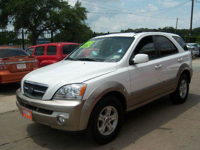 2004 Kia Sorento LX 2WD   Houston TX