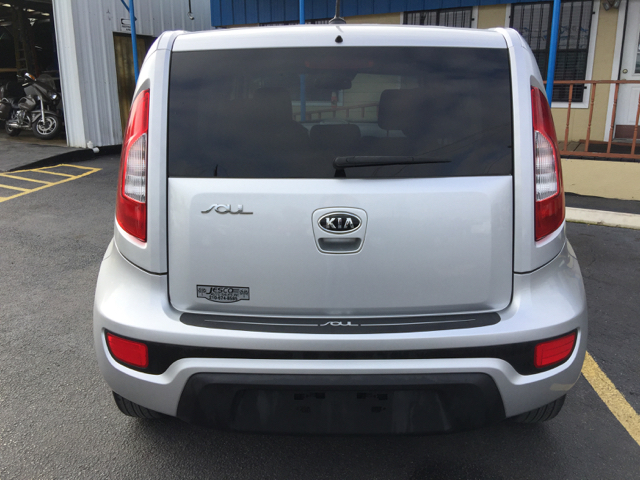 2012 Kia Soul Base 4dr Wagon 6A - San Antonio TX