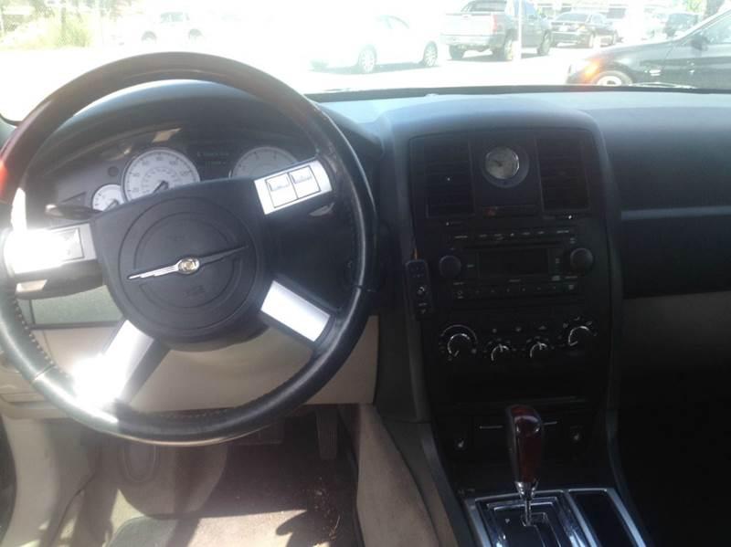 2006 Chrysler 300 C 4dr Sedan - Oceanside CA