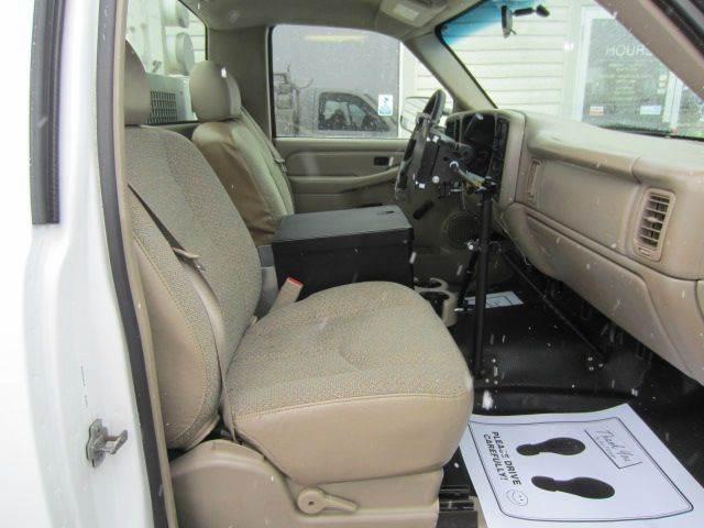 2005 GMC Sierra 2500HD Work Truck 2dr Standard Cab Rwd LB - Akron OH