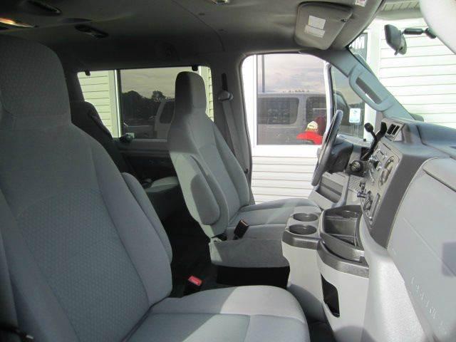 2012 Ford E-Series Wagon E-350 SD XLT 3dr Extended Passenger Van - Akron OH