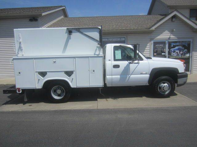 2005 Chevrolet C3500  ENCLOSED UTILITY BED