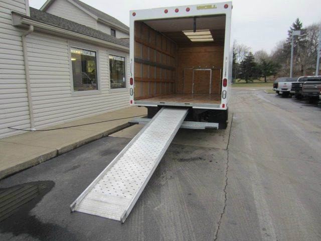 2015 Ford E-Series Chassis XLT - Akron OH