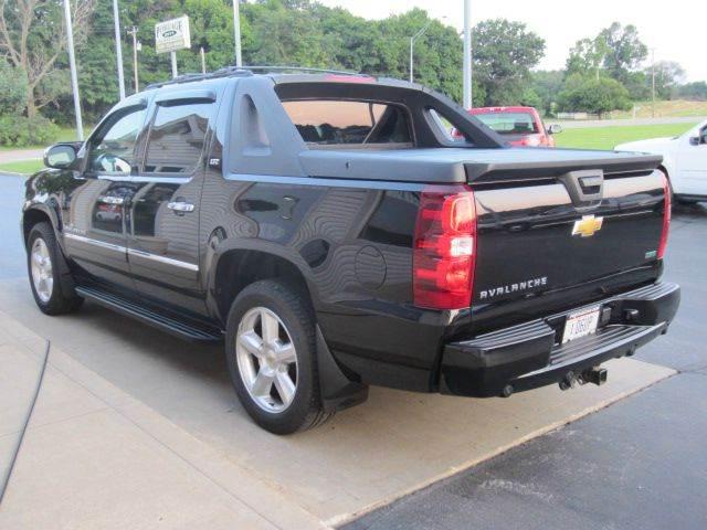 2011 Chevrolet Avalanche 4x4 LTZ 4dr Crew Cab Pickup - Akron OH