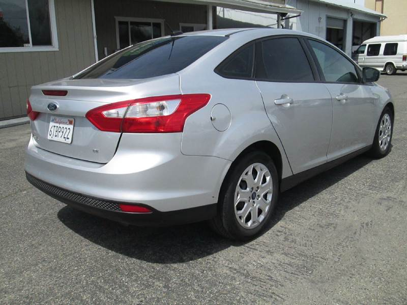 2012 Ford Focus SE 4dr Sedan - Clovis CA