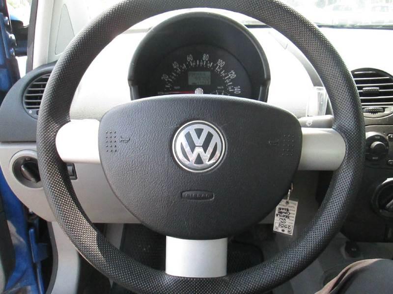 2005 Volkswagen New Beetle GL 2dr Coupe - Clovis CA
