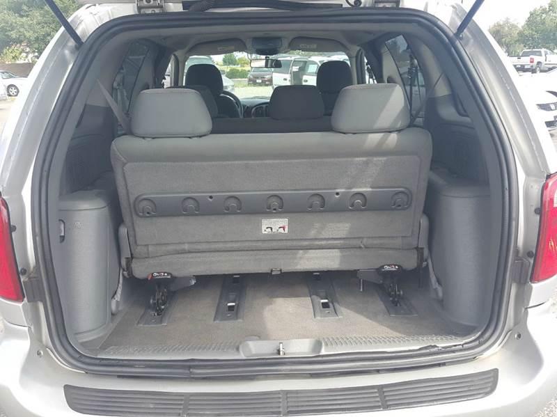2006 Chrysler Town and Country 4dr Mini-Van - Clovis CA