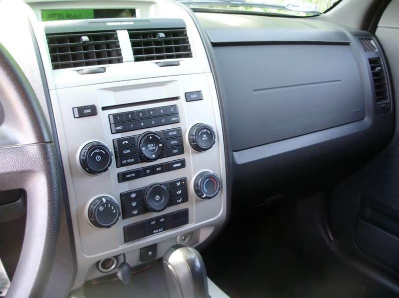 2009 Ford Escape AWD XLT 4dr SUV - Mancelona MI