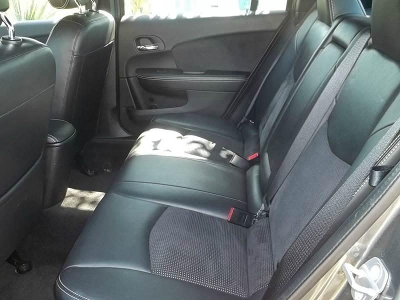 2011 Chrysler 200 S 4dr Sedan - Clearwater FL