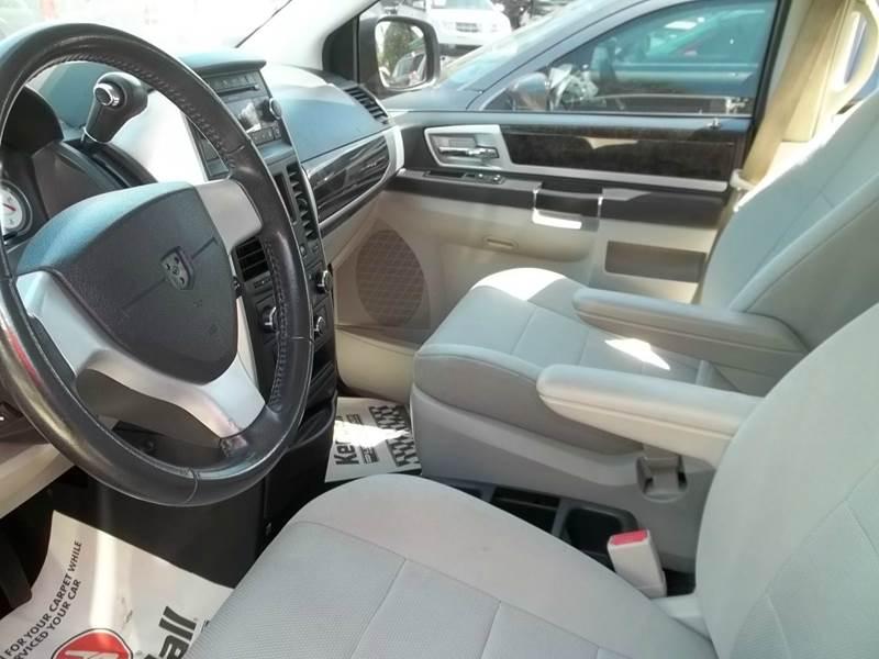 2009 Dodge Grand Caravan SXT Mini-Van 4dr - Clearwater FL