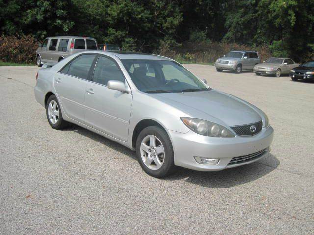 2006 toyota camry se 4dr sedan w automatic in holland mi shamrock motors. Black Bedroom Furniture Sets. Home Design Ideas