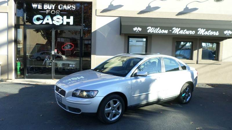 Volvo s40 for sale in connecticut for Tj motors new london ct