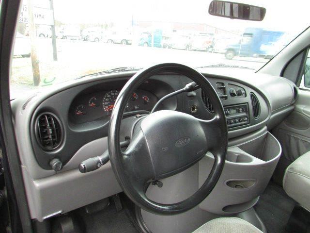 1999 Ford E-350 XLT SD 3dr Passenger Van - Vineland NJ