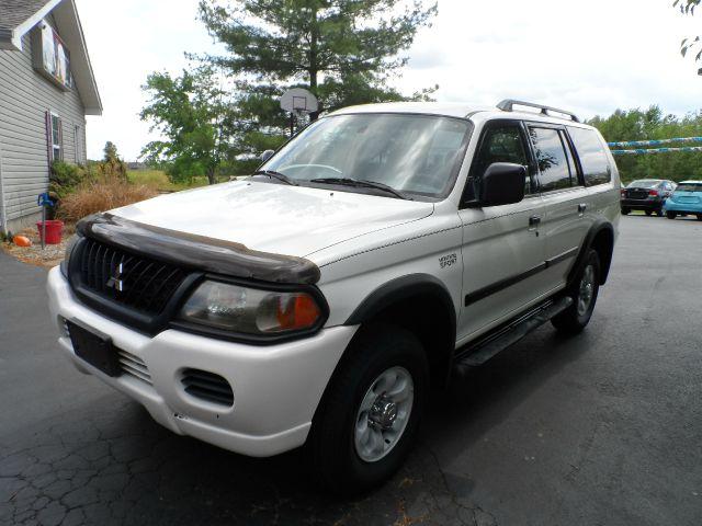 2003 Mitsubishi Montero Sport ES 4WD 4dr SUV