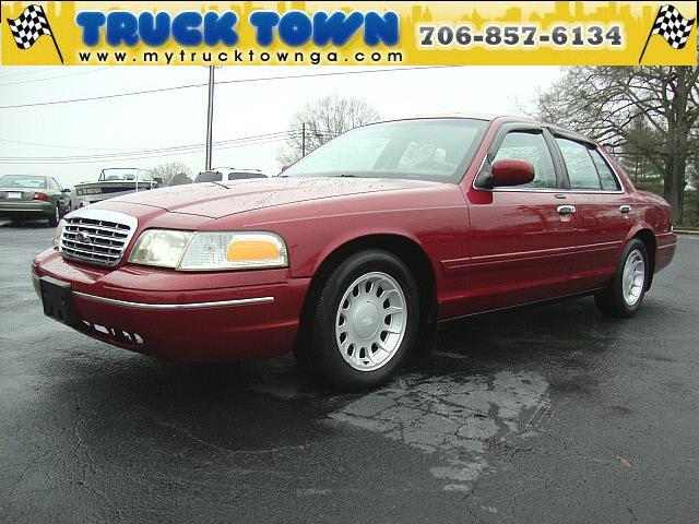 2002 Ford Crown Victoria for sale in SUMMERVILLE GA