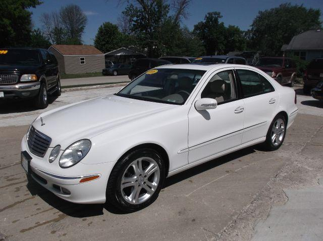 Used cars south elgin used pickup trucks addison algonquin for 2006 mercedes benz e350 for sale