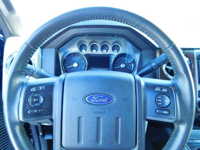 2013 Red Ford F 150 2013 White Ford Super Duty F 450 Drw