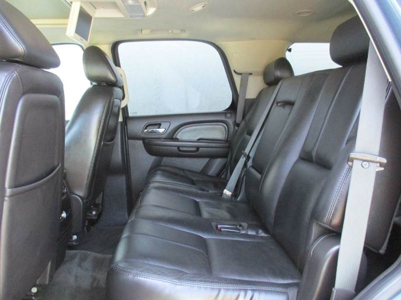 2007 gmc yukon denali dvd sunroof 3rd row 2nd row bench 84k miles in harrisonville mo jkb. Black Bedroom Furniture Sets. Home Design Ideas