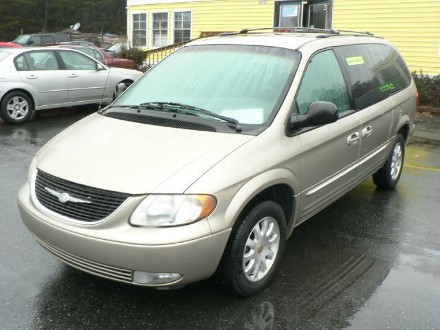 2002 chrysler town and country lxi for sale in newton catawba claremont speedway motors. Black Bedroom Furniture Sets. Home Design Ideas