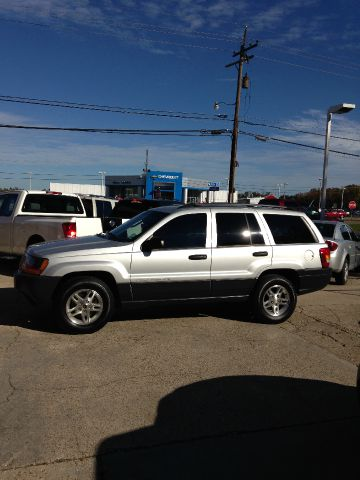 2004 JEEP GRAND CHEROKEE LAREDO 2WD silver abs brakesair conditioningalloy wheelsamfm radioan