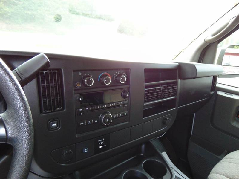 2014 Chevrolet Express Passenger LT 3500 3dr Extended Passenger Van w/1LT - Hudson NC