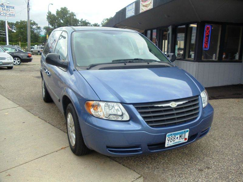 2007 chrysler town and country base 4dr mini van in for Metro motor sales minneapolis mn