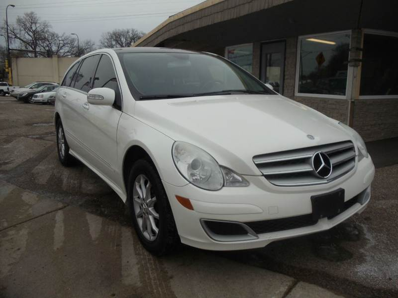 2006 mercedes benz r class awd r500 4matic 4dr wagon in for Mercedes benz minnetonka