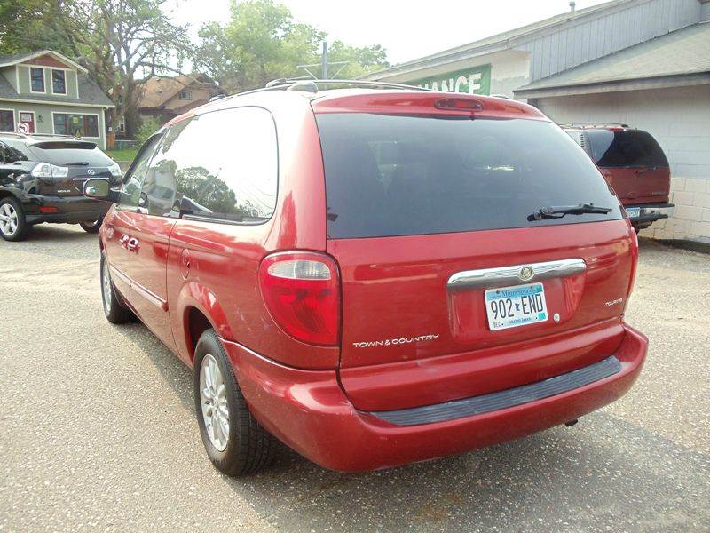 2004 chrysler town and country touring 4dr extended mini for Metro motor sales minneapolis mn