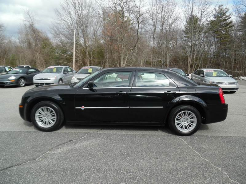 2008 Chrysler 300 LX 4dr Sedan - Hopedale MA