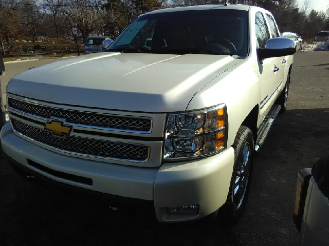 2012 CHEVROLET SILVERADO 1500 LTZ 4X4 4DR CREW CAB 58 FT SB white carfax 1 owner and no accident
