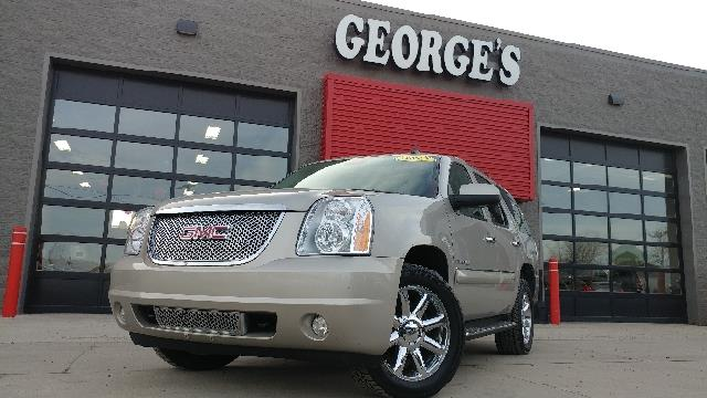 2007 GMC YUKON DENALI AWD 4DR SUV silver birch metallic carfax 2 owners and no accidents awd mov