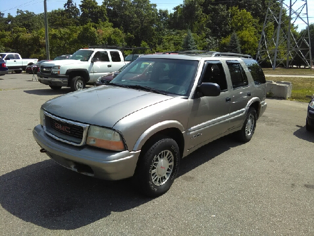 2000 GMC JIMMY SLE 4DR 4WD SUV gold carfax no accidents 4wd with such an abundance of passenger