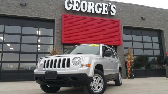 2012 JEEP PATRIOT SPORT 4DR SUV bright silver metallic carfax no accidents 4wd and cloth lay yo