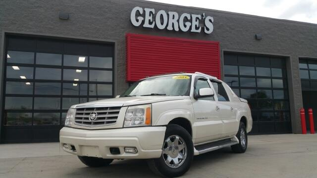 2005 CADILLAC ESCALADE EXT BASE AWD 4DR CREW CAB SB white diamond carfax no accidents my my my