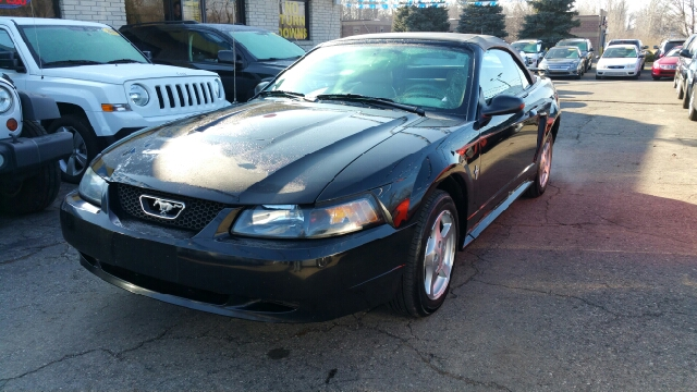 2003 FORD MUSTANG DELUXE 2DR CONVERTIBLE black carfax no accidents with such a low odometer read