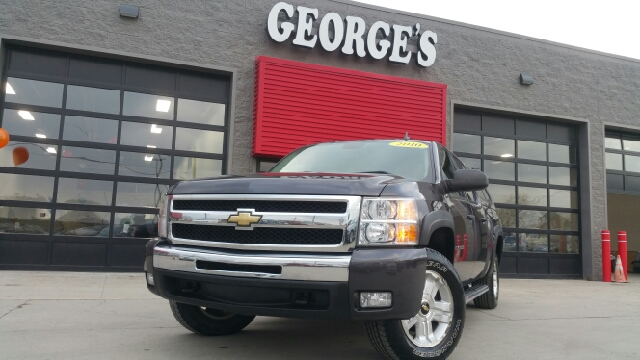 2010 CHEVROLET SILVERADO 1500 LT 4X4 4DR CREW CAB 58 FT SB taupe grey metallic what a beautiful