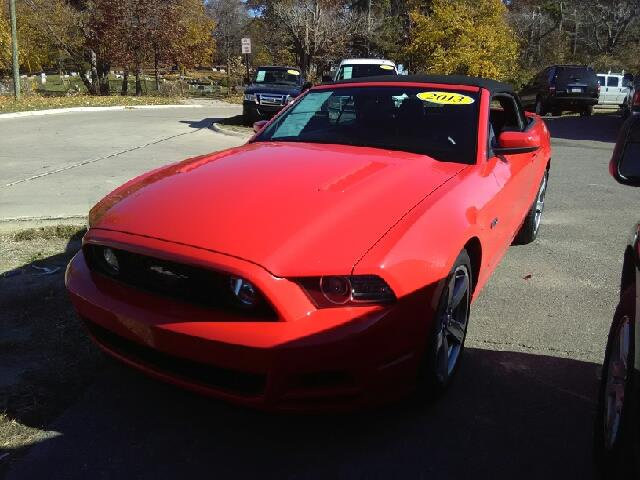 2013 FORD MUSTANG GT PREMIUM 2DR CONVERTIBLE red gt premium carfax 1 owner and no nice convertib