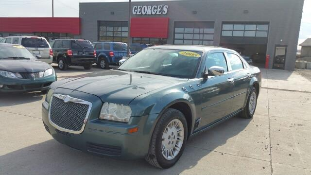2005 CHRYSLER 300 BASE RWD 4DR SEDAN magnesium pearl with such an abundance of passenger space t