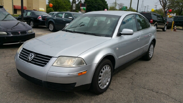2004 VOLKSWAGEN PASSAT GL 18T 4DR TURBO SEDAN reflex silver metallic power to the power of two