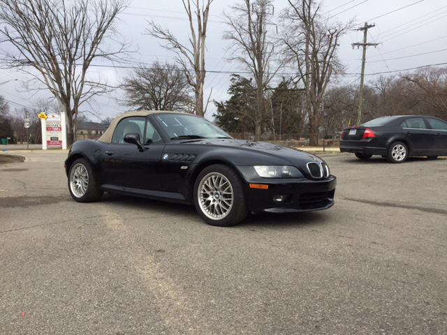 2001 BMW Z3 30I 2DR ROADSTER black carfax no accidents here it is in a class by itself want t
