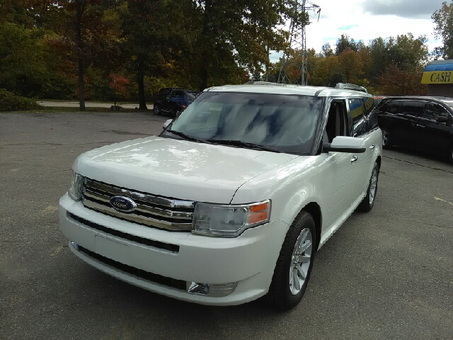2012 FORD FLEX SEL 4DR CROSSOVER white carfax 1 owner and no accidents what a fantastic deal don