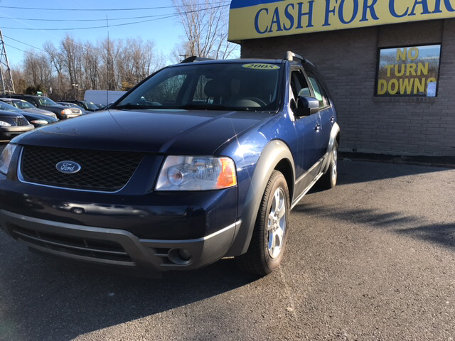 2005 FORD FREESTYLE SEL 4DR WAGON blue carfax 1 owner so roomy its like having box seats at th