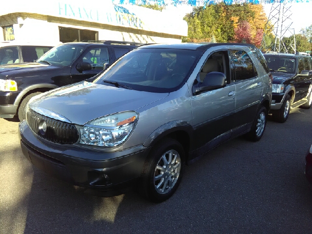 2005 BUICK RENDEZVOUS CX 4DR SUV white carfax no accidents with these low miles this babys bar