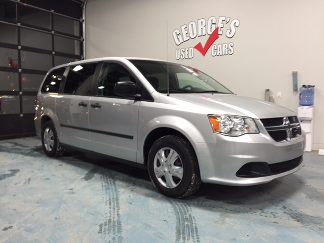 2012 DODGE GRAND CARAVAN SE 4DR MINI VAN silver carfax 1 owner and no accidents such a quiet rid