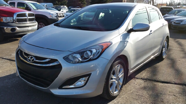 2013 HYUNDAI ELANTRA GT BASE 4DR HATCHBACK 6A shimmering silver metallic carfax one owner you can