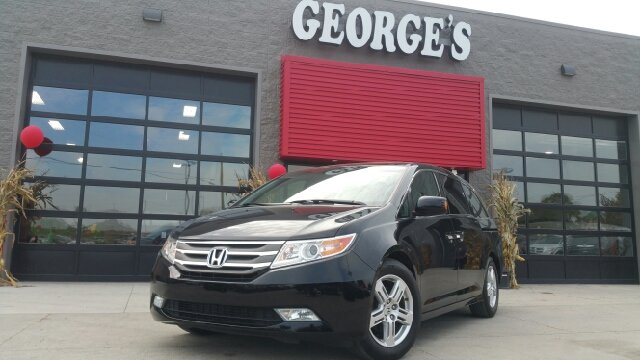 2012 HONDA ODYSSEY TOURING 4DR MINI VAN crystal black pearl carfax 1 owner and no accidents wheel