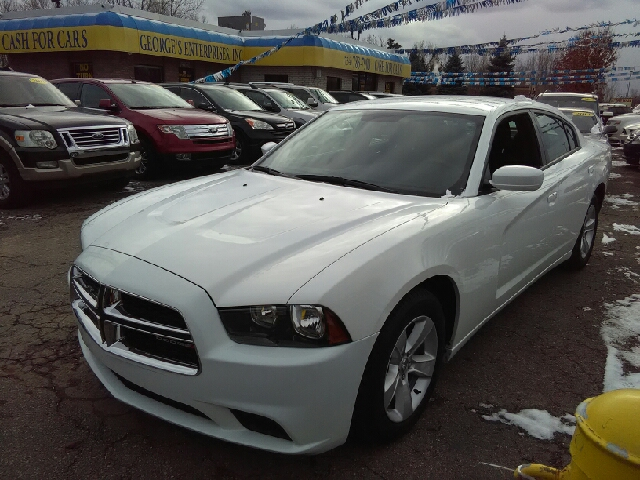 2013 DODGE CHARGER SE 4DR SEDAN white carfax 2 owners and no accidents cloth goof-proof controls